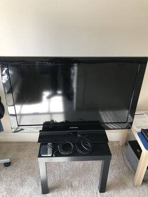 Amazing Deal ! Samsung TV, Apple TV and the coffee table for $119 for Sale in Irvine, CA