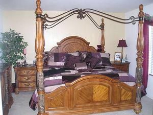 Ashley Furniture King Canopy Bedroom 5 Piece Set for Sale in Glendale, AZ