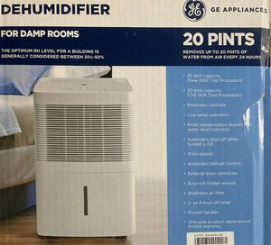 GE 20 Pint Dehumidifier for Damp Rooms, ADEW20LY, White 3 Speed for Sale in Orlando, FL