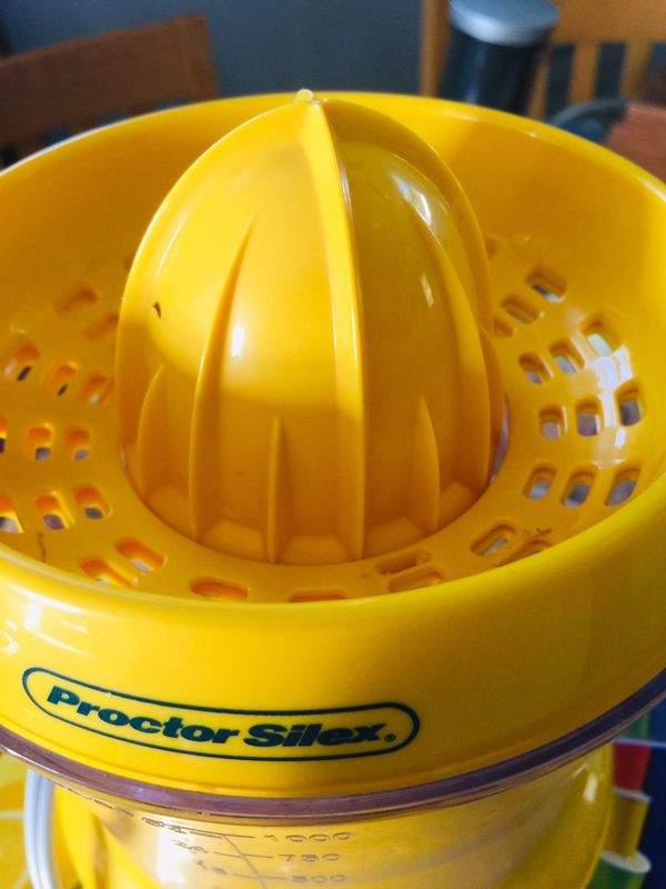 34 oz Citrus Juicer with Pulp Control