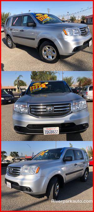 2014 HONDA PILOT LX 8 passengers clean CARFAX for Sale in Fresno, CA