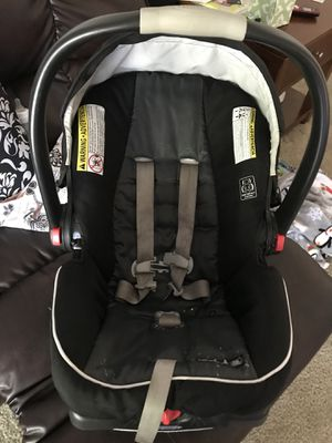 Graco 360 baby car seat for Sale in Richmond, VA