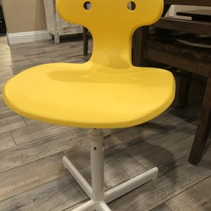 Small Child's Desk Chair for Sale in National City, CA