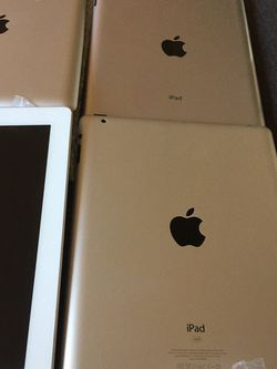 iPad 2 (2) $170 for Sale in Highland,  CA