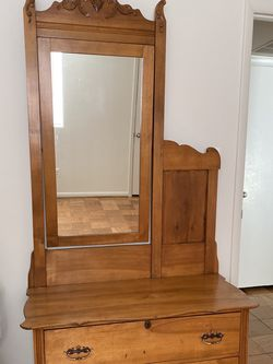 Antique Dresser With Mirror for Sale in Lutherville-Timonium,  MD