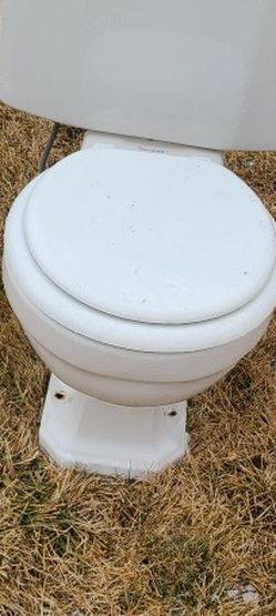 Toilet Seat And Bathroom Sink for Sale in West Valley City,  UT