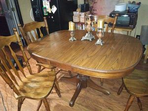 Kitchen table and chairs for Sale in Caseyville, IL
