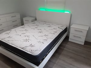 New 5 pieces queen bed frame with led light dresser mattress and nightstands included for Sale in Lake Worth, FL