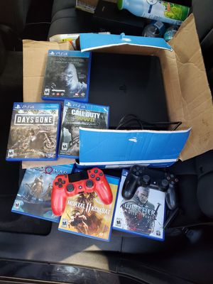 Playstation 4 with 2 remotes and a few games 1Tb memory for Sale in Miramar, FL
