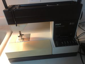 PFAFF SEWiING MACHINE model1013 for Sale in Jonesboro, GA
