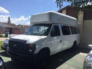 Ford Van 2008 for Sale in Hialeah, FL