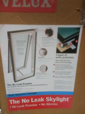 Velux vented skylight with flashing kit for Sale in Lake Ann, MI
