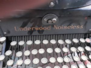 Antique Underwood Noiseless Typewriter for Sale in Chicago, IL