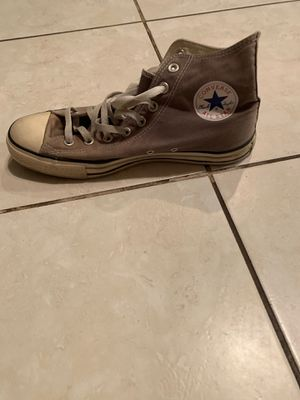 Men's grey converse size 9 for Sale in Chandler, AZ