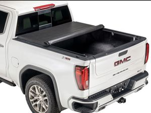 8' truck bed tonneau cover for Sale in Gresham, OR