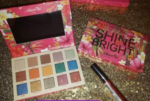 Makeup pallete for Sale in Dallas, TX
