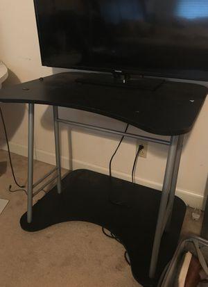 Computer/TV desk for Sale in Kernersville, NC