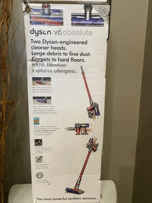 Dyson V6 absolute vacuum for Sale in Selma, CA