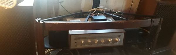 Yamaha stereo receiver and speakers