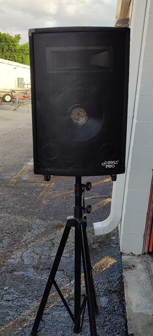 Pyle pro speaker Pair with stand for Sale in Fort Lauderdale, FL