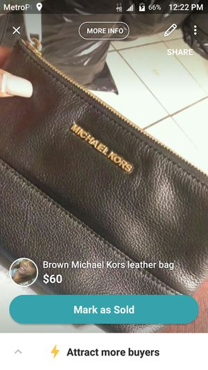 Michael kors wristlet for Sale in Parlier, CA