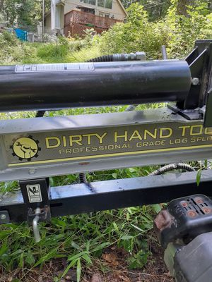 Dirty hand tools 27 ton log splitter for Sale in Gerrardstown, WV