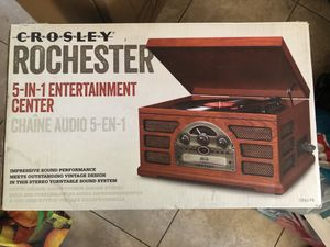Entertainment System (Radio/Aux/CD/Record Player/Cassette) for Sale in Artesia, CA