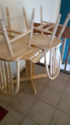 Kitchen table and chairs for Sale in Rantoul, IL