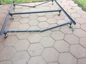 Bed Frame (Queen) for Sale in Laredo, TX