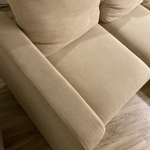 L Shaped Convertable Beige Fabric Couch for Sale in Tigard, OR