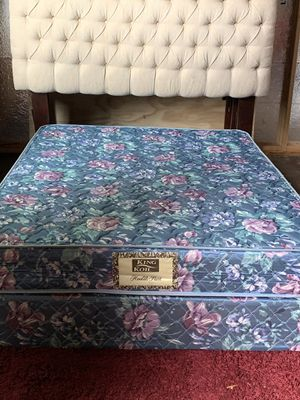 USED FULL SIZE DOUBLE SIDE TOP MATTRESS WITH BOX SPRING for Sale in San Antonio, TX