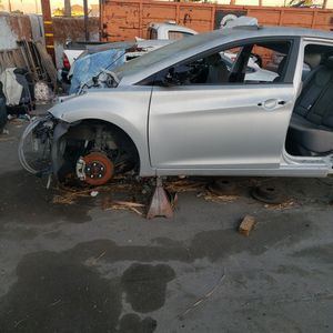 HYUNDAI ELANTRA PARTS OUTp0p for Sale in Whittier, CA