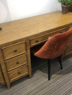 Elegant Desk / Fancy for Sale in Catonsville,  MD