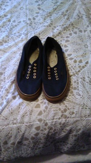 BLACK AND GOLD VANS SZ 1.5 for Sale in Bakersfield, CA