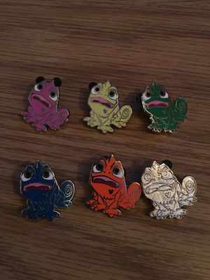 2014 Pascal Disney pin full set plus bonus Pascal chaser pin! for Sale in Berkeley Heights, NJ