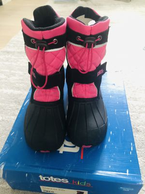 Totes Girl Snow Boots Size 2 for Sale in Palo Alto, CA