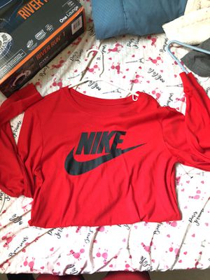 Nike long sleeve t shirt for Sale in Miami, FL