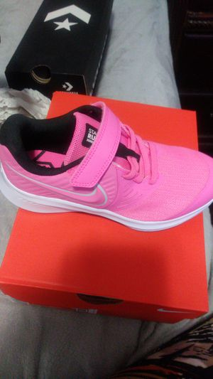 Nike gril size 13 us for Sale in El Paso, TX