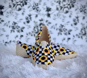 Checker Sunflower Pattern Flats Adult Sizes for Sale in McAllen,  TX