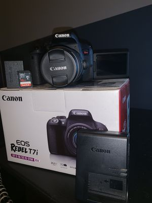 Canon EOS Rebel T7i 10/10 condition for Sale in Douglasville, GA