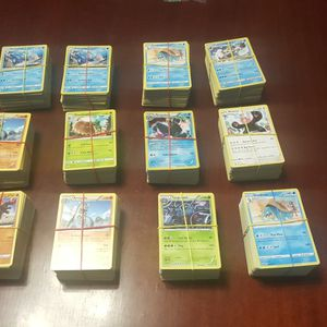 116 POKEMON CARDS PER BUNDLE for Sale in Clearwater, FL