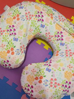 Boppy Pillow ( Feeding, Suport, Tommy Time) for Sale in Tampa,  FL