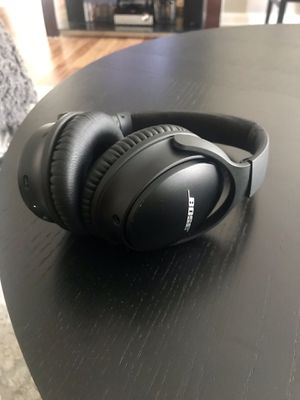 Bose QuietComfort 35 - noise cancelling bluetooth headphones for Sale in Nottingham, MD