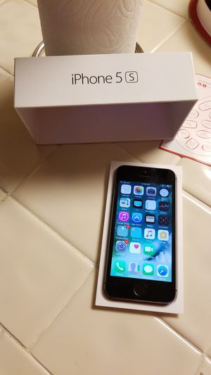 iPhone 5 s used for Sale in Reedley, CA