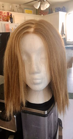 Blonde wig with highlights for Sale in Lubbock, TX