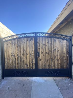 Double gate ,fences for Sale in Norwalk, CA