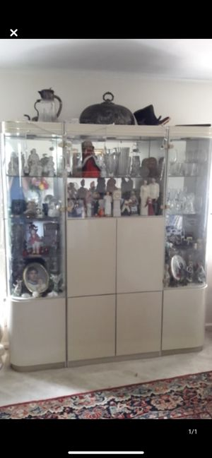 Beautiful Dining Cabinet with glass shelves Excellent Condition! for Sale in Rockville, MD