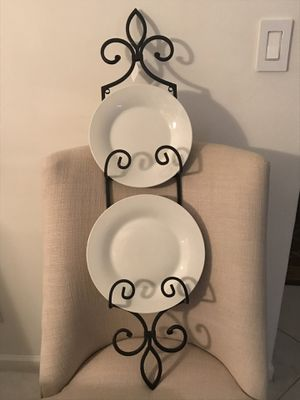 Metal wall plate wall decor. Add charm to your kitchen walls. PLATES NOT INCLUDED. for Sale in Pembroke Pines, FL