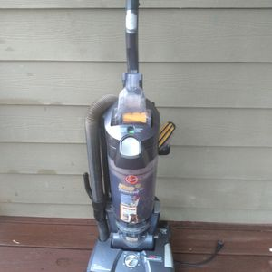 Hoover Pet Rewind Bagless Vacuum Cleaner for Sale in College Park, GA