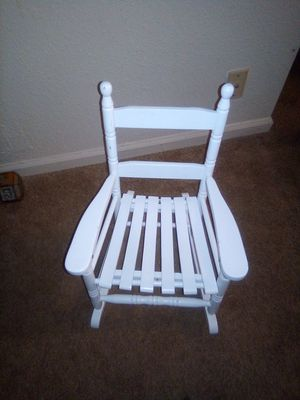 Wooden chair for Sale in Nashville, TN